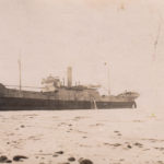 Båten på grunt vatten vid Sandvik
